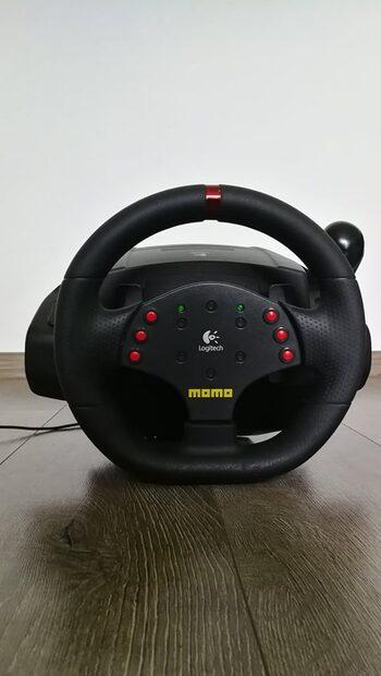 Vairas Logitech Momo racing force.