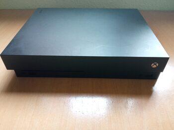 Xbox One X, Black, 1TB, para reparar o piezas, estropeada.Sin mando y sin cables