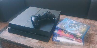 PS4 1 to avec manette et jeux