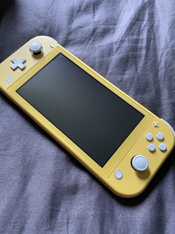 Nintendo Switch Lite, Yellow, 32GB + sacoche