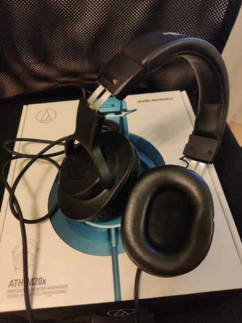 Ausines Audio-Technica ATH-M20x