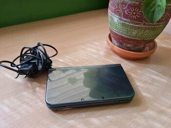 New Nintendo 3DS XL, Black & Silver