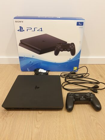 PlayStation 4 Slim, Black, 1TB